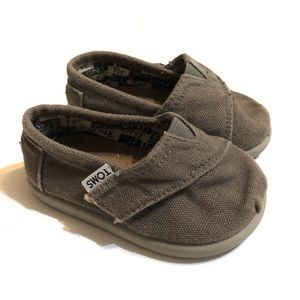 Classic Toms Shoes in Ash Canvas, Toddler Size 4